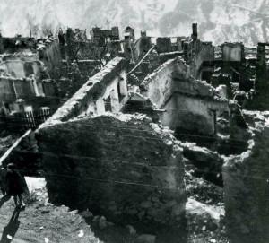 L'abitato di Cevo dopo l'incendio del luglio 1944