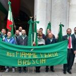 Brescia, La delegazione davanti alla Loggia