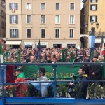 Brescia, Cittadini e FF.VV. in Piazza Loggia