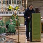 mons. Clementi e padre Giulio Cittadini, partigiano, concelebrano con il Vescovo