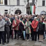I sindaci alla manifestazione in Piazza Loggia