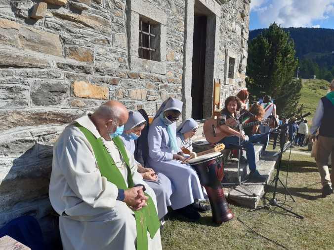 L'animazione musicale della liturgia: Lucia e le Suore Sacramentine dell'Eremo